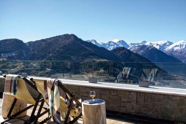 Οι 10 ελληνικοί προορισμοί με τα καλύτερα ξενοδοχεία
