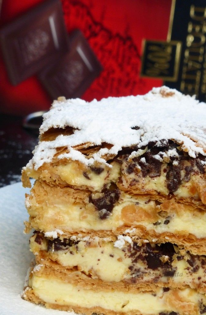 Millefeuille with mascarpone cream and fudge - Millefoglie con crema di mascarpone e fondente
