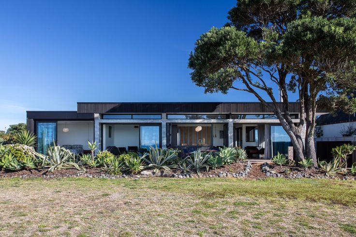 Pauanui holiday house.  Modern, contemporary and effortless, if you are looking to build a new holiday home or renovate an existing one, give us a call on 09 360 7110 to discuss.