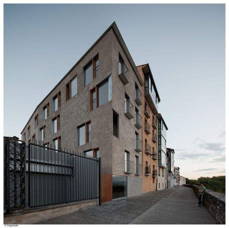 HIC Arquitectura » Pereda Pérez Arquitectos > Edificio de viviendas en la calle Descalzos, Pamplona.