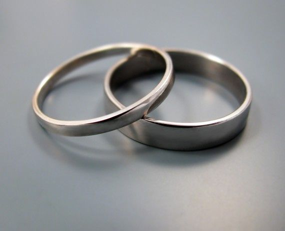 Palladium wedding band set 2mm and 4mm by junedesigns on Etsy, $428.00