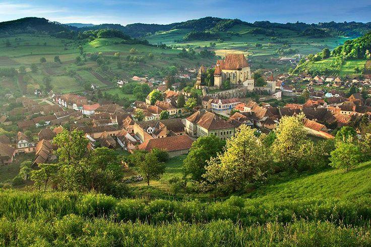 Az ország szívében található, mindössze 1000 lélekszámú középkori falucska…