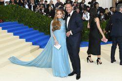 "awesome Jennifer Lopez Giving Alex Rodriguez ""Ultimatum"" Is Fake News"