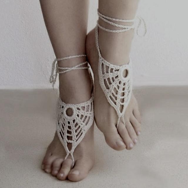 Foot jewellery.