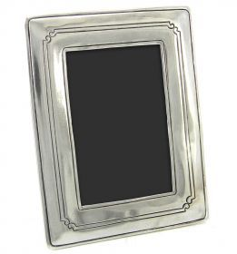 Rectangular photo frame made of pewter. #madeinitaly #artigianato #peltro #pewter