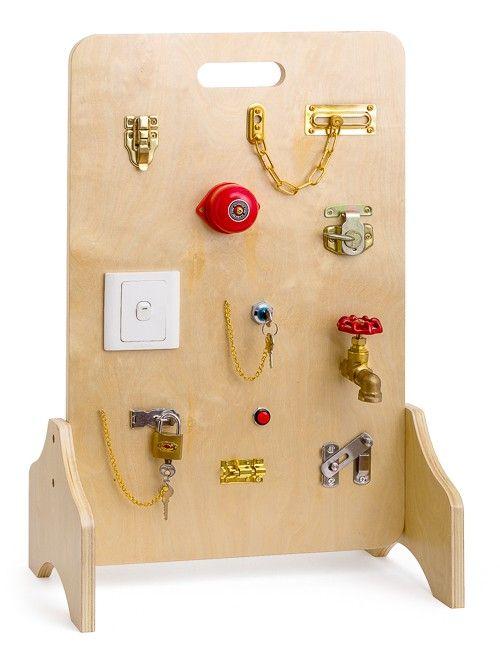 parete attrezzata per chiusure e pulsanti