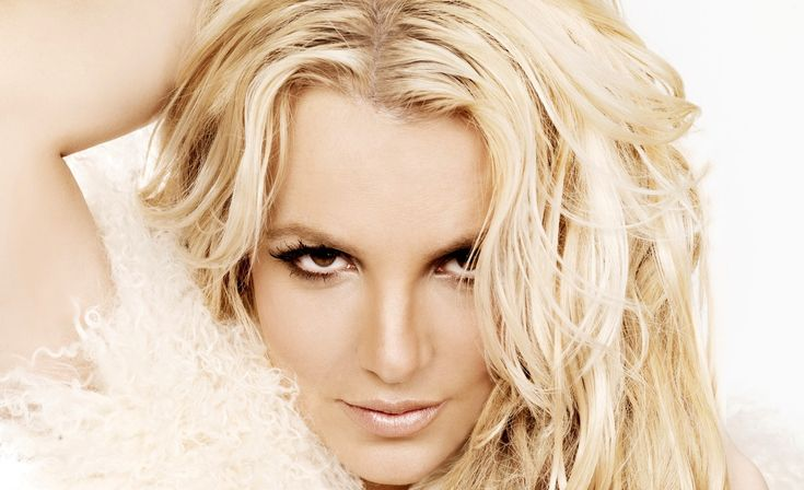 """Britney Spears' """"Femme Fatale"""" slayed the competition on the Billboard 200 albums chart, coming in at #1 in its first week. Description from musicandmischief.com. I searched for this on bing.com/images"""