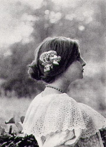 SIMONE DE CAILLAVET (M.ME MAUROIS): The model of Mademoiselle de Saint-Loup.  She is the daughter of Jeanne Pouquet (one of the models for Gilberte) and Gaston de Caillavet. (Gaston's mother was Léontine  Lippmann Arman de Caillavet, the mistress of Anatole France and one of the models for Madame Verdurin.)  In 1926, Simone married André Maurois, who wrote a biography of Proust.  (marcelproust.it)