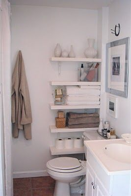 T H E O R D E R O B S E S S E D: Apartment Progress... Bathroom shelves in small spaces!