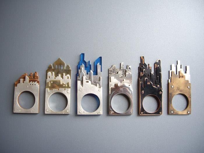 anelli-scultura Cityscape di Alexandra Bletsas