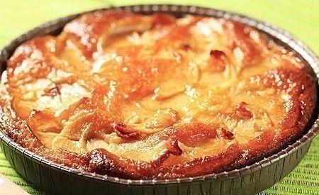 (Zentrum der Gesundheit) - Lust auf warmen Apfelkuchen mit Zimt und Vanillesosse? Aber keine Lust auf Mehlteig und Zucker? Auch keine Lust auf Milch in der Vanillesosse? Dann laden wir Sie zu unserem basischen Rohkost-Apfelkuchen ein! Er ist frei von Getreide, Mehl, Zucker, Butter und Milch. Er ist vegan und glutenfrei. Unser basischer Apfelkuchen stammt zudem aus der Rohkostküche, schmeckt herrlich frisch und aromatisch – und kann dennoch warm genossen werden.