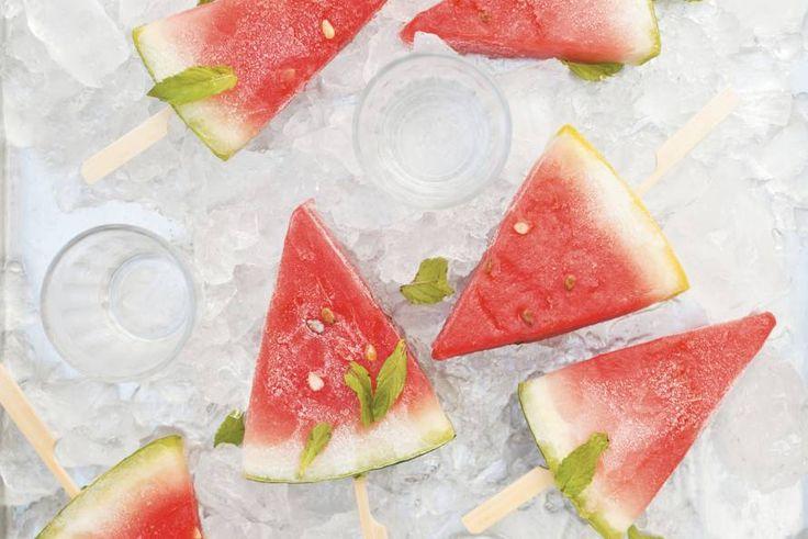 Bevroren watermeloen met wat munt, zeg nu zelf... perfect om af te koelen op warme zomerdagen! En ook zalig als dessertje na een heerlijke BBQ. Njam!