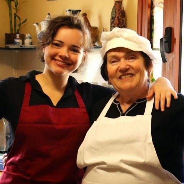 Зарегистрироваться и добавлять свои рецепты на сайт www.videoculinary.ru, а также запоминать в кулинарную книгу рецепты Бабушки Эммы и её друзей
