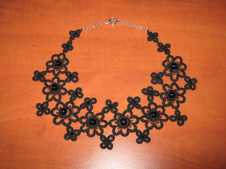 flower motif necklace