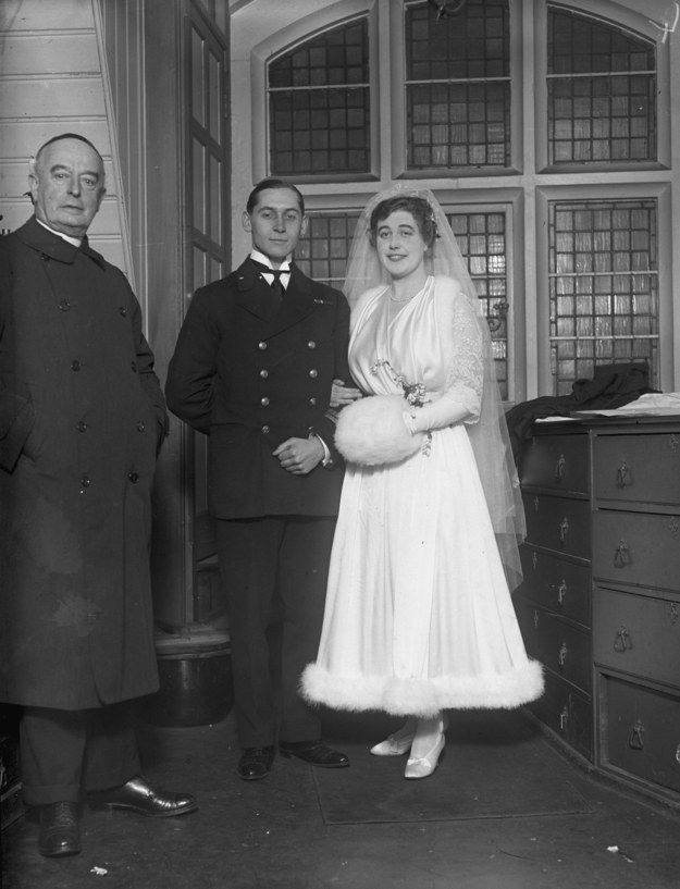 1915 | 36 Stunning Vintage Wedding Dresses From Yesteryear