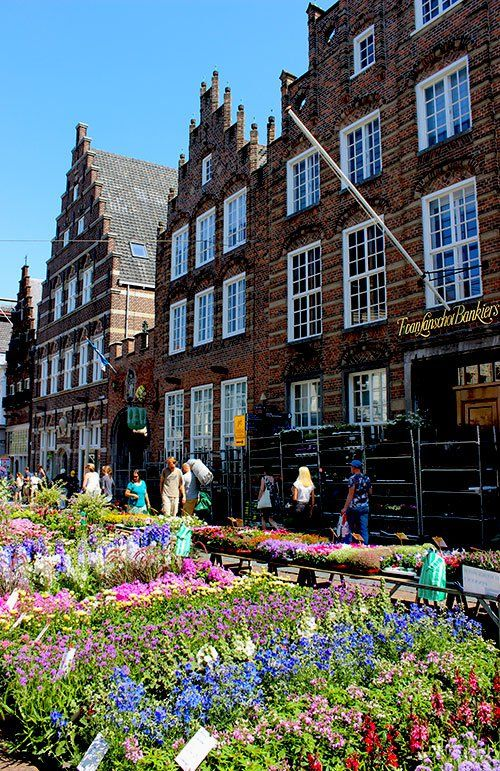 Den Bosch in the south of the Netherlands is great for some sightseeing, shopping, eating&drinking, and taking in the best cultural history