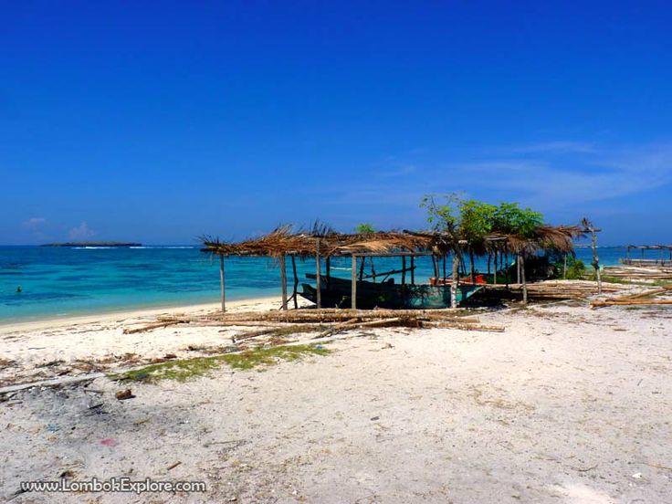 Pantai Semerang (Semerang beach). A wonderfull beach in East Lombok, Indonesia. For more information, please visit www.LombokExplore.com.