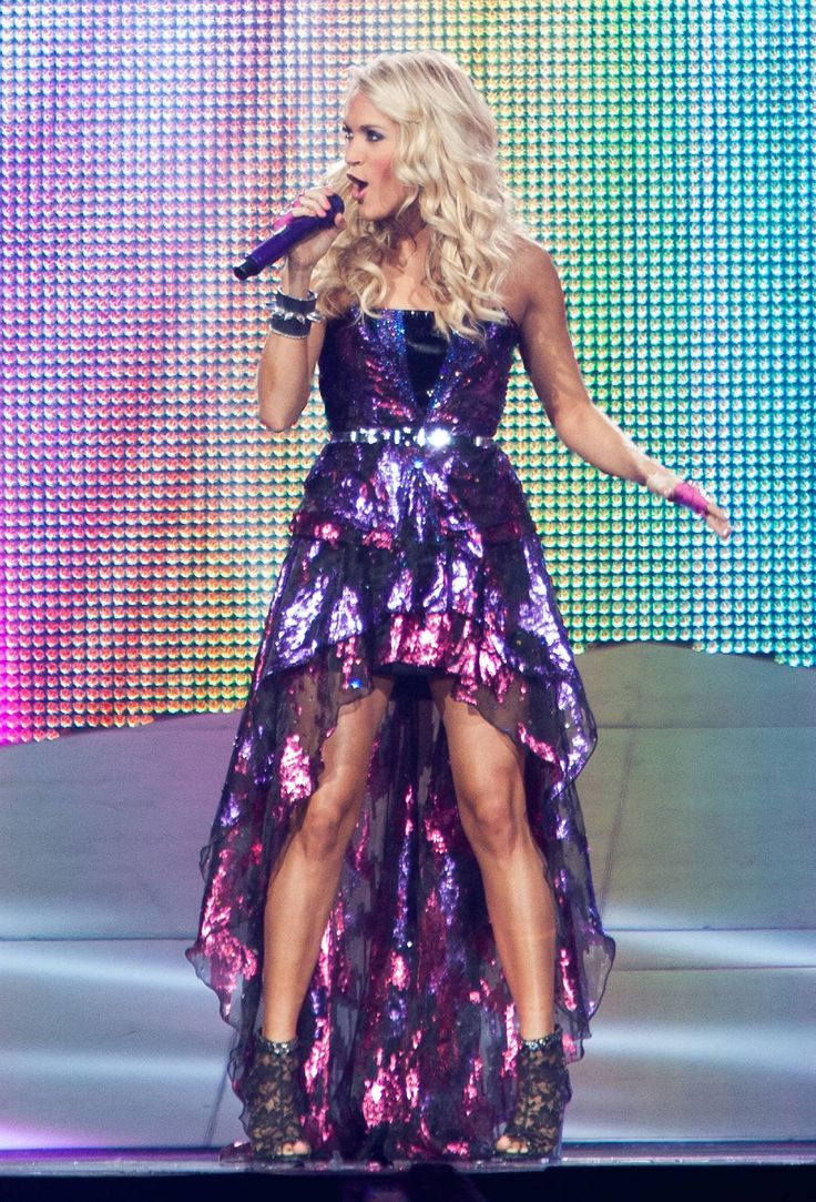 Carrie Underwood! I love her dress.