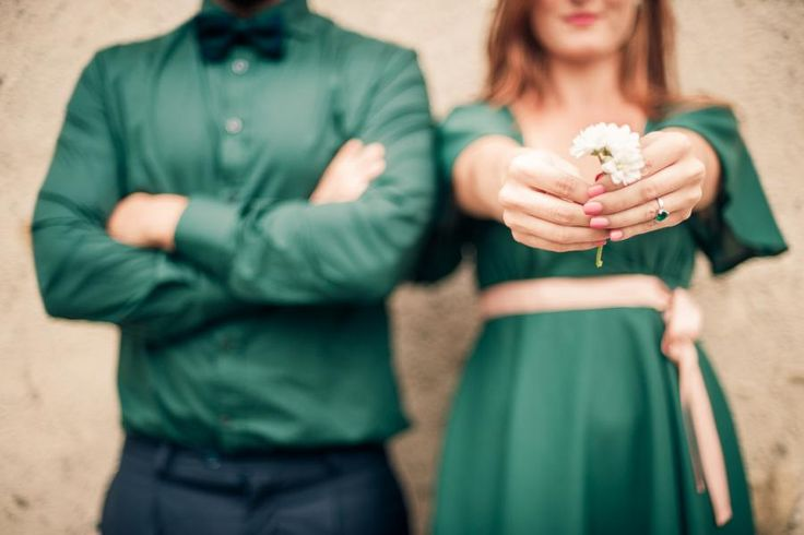 Pose ideas for wedding photography or engagement shoot ideas 50's engagement fidanzamento love session