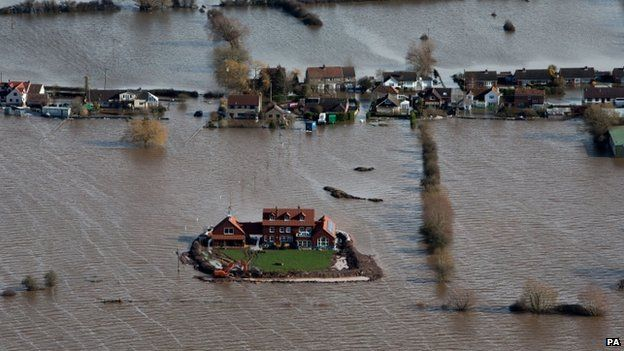 Atlantic storm brings more flood misery to drenched Britain: heaviest rainfall in 250 years