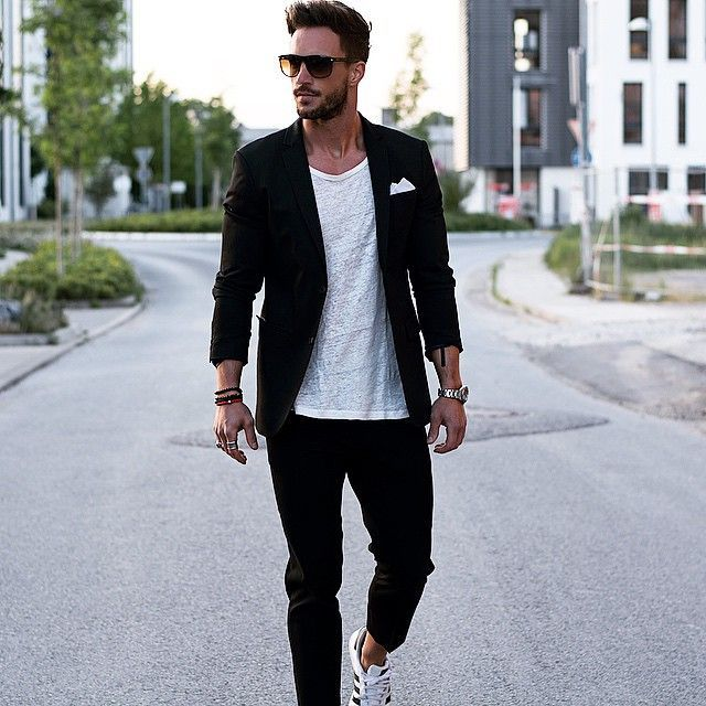 Blazer with tshirt. Also Trending : Farewell dressing made Simple — Mens Fashion Blog - The Unstitchd