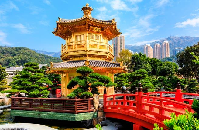 Whether you're visiting Hong Kong for the first time or the tenth, here are 20 things you absolutely can't miss.