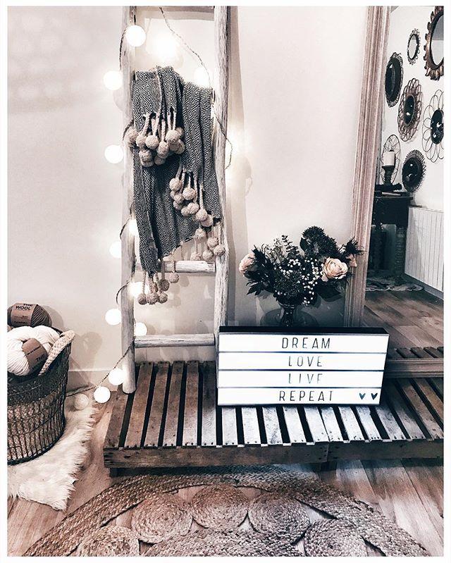 WEBSTA @ noeudsjustine - Little corner @home • plaid @laredoute • échelle @maisonsdumonde • lightbox @prettywireshop • laine @weareknitters •