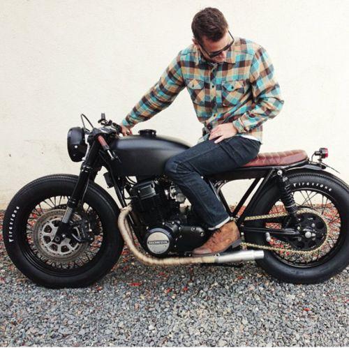 Matte black Honda CB750