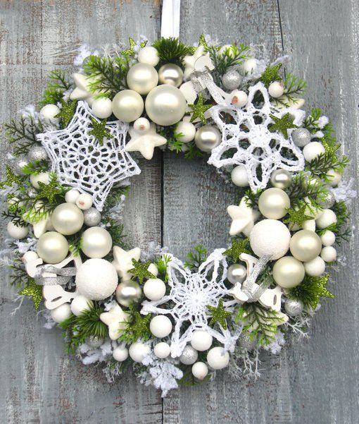 .Green wreath with white
