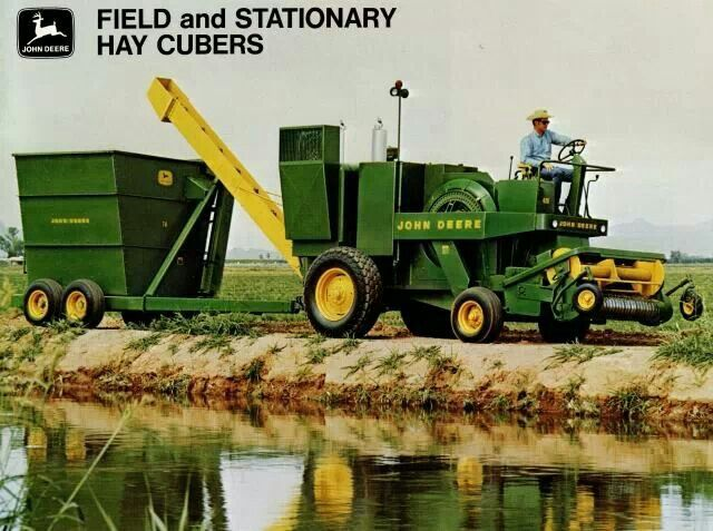 John Deere 400 hay cuber