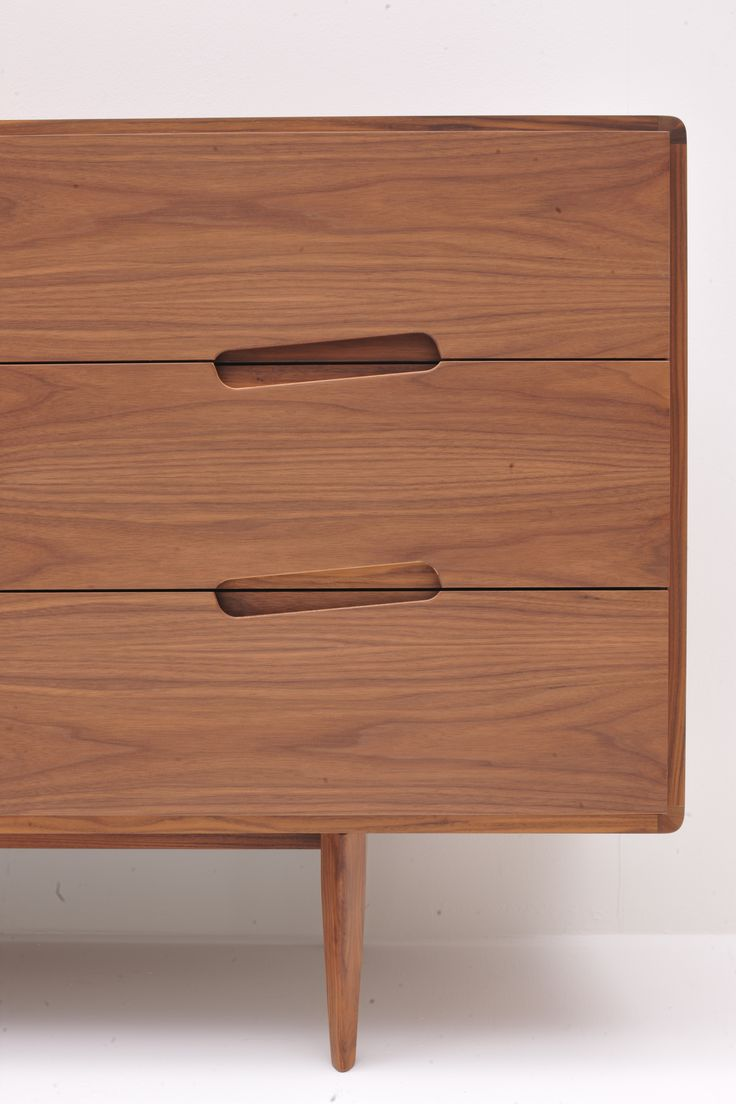 Drawers' detail of malibù sideboard