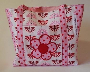 Kindertasche mit Blumenapplikation