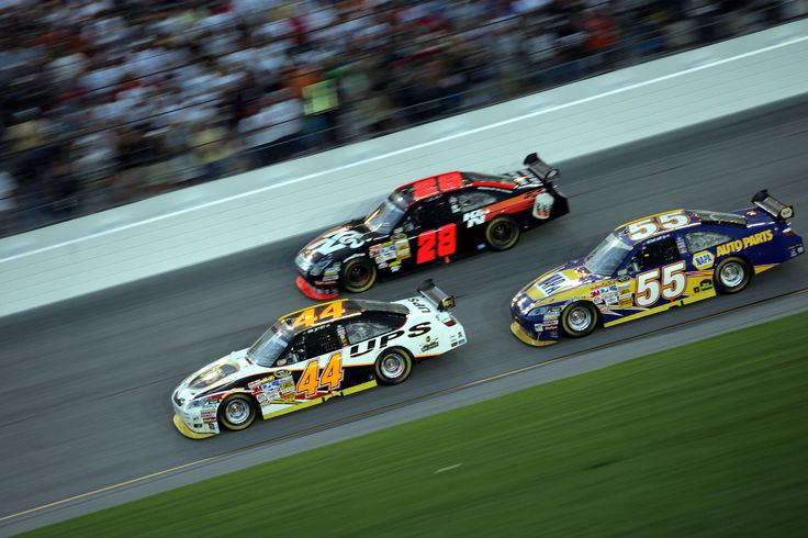 Former NASCAR driver Dale Jarrett suffers from memory loss. He believes it's due to concussions sustained through racing career https://racingnews.co/2016/11/08/dale-jarrett-suffers-memory-loss-nascar-concussions/ #concussions