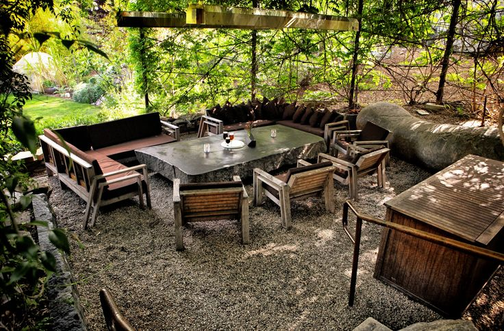 Very Relaxing Outdoor Seating Area With Pea Gravel
