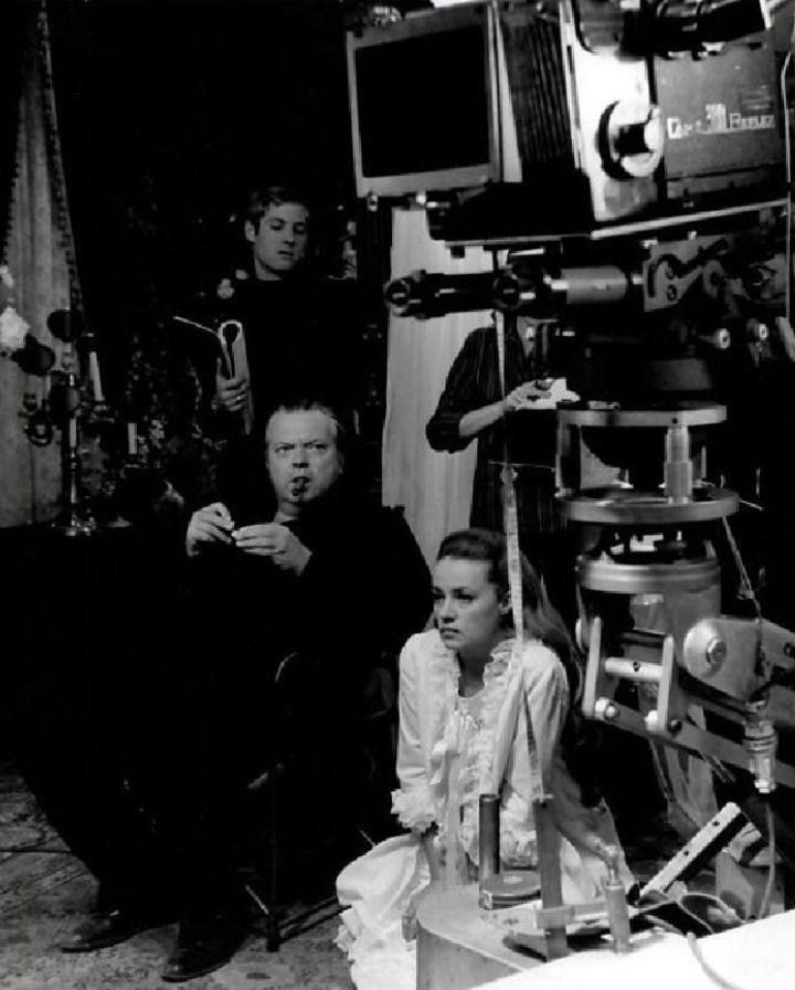 Une Histoire immortelle (1968) Set 🎬👍   by #OrsonWelles ❤👍❤ #JeanneMoreau 💕 #FernandoRey #film #set  #karenblixen
