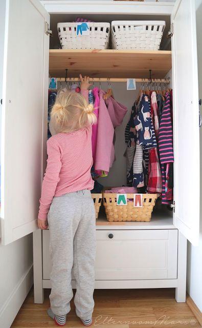 Praktische Kleiderschränke im Kinderzimmer nach Montessori