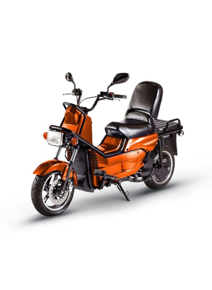 """Power-Roller Titan je """"pracovní vozidlo"""" mezi modely Power-Roller.V přední a zadní částivozidla mohou být připevněnépřepravní boxy.Nosnost vozidla jeaž 180 kilogramů."""
