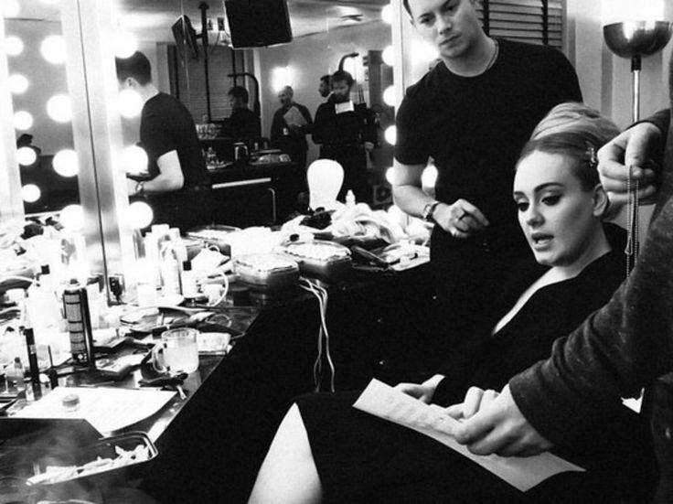 Adele's Kiwi makeup artist Michael Ashton sung Happy Birthday on stage - Music - NZ Herald News