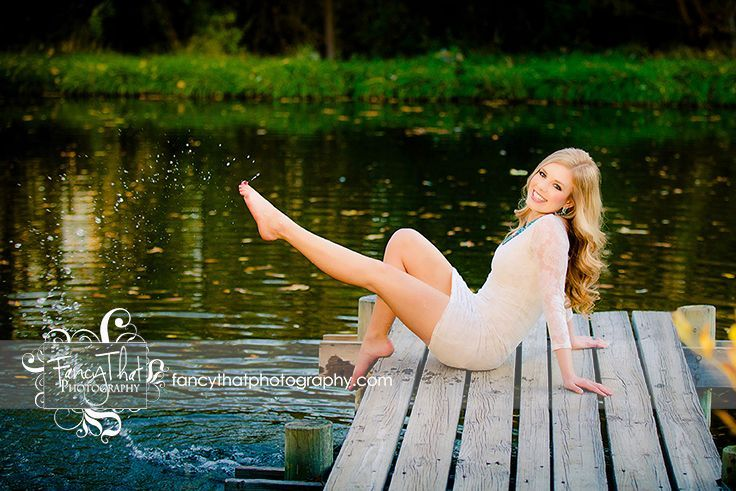 Senior Picture Ideas for Girls | Fancy That Photography | Gwen Bradbury | Fun | Splash | Pond | Dock | Summer Delight | water