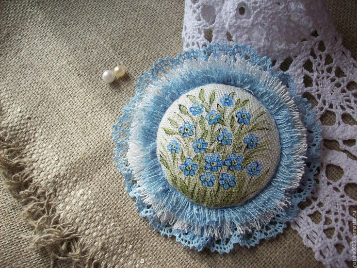 Купить Льняная бохо брошь с росписью...Нежная незабудка... - голубой, бохо украшения лен