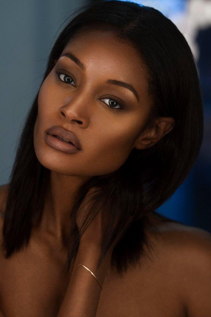 Of Course Black is Beautiful | Maquillage peau noire, Beau