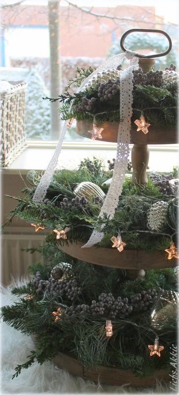 Rustic Christmas #rustic #christmas #xmas #decorating #vintage