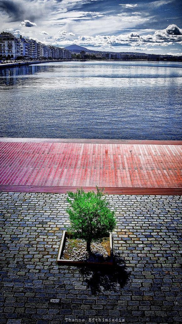 Εικόνες μιας Όμορφης Πόλης: Στο μαγικό σημείο μηδέν | Parallaxi Magazine