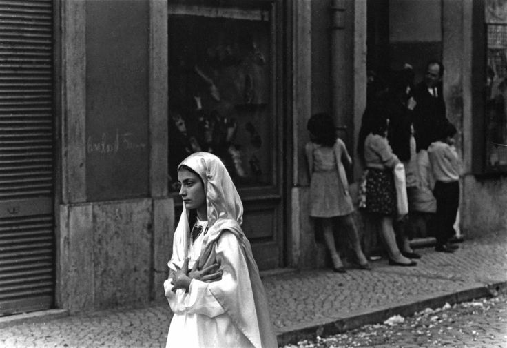 Neal Slavin, Girl in White Walking in Street