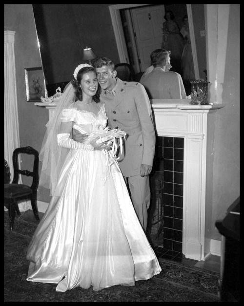222 best 1950 39 s wedding gowns images on pinterest for Vintage wedding dresses austin