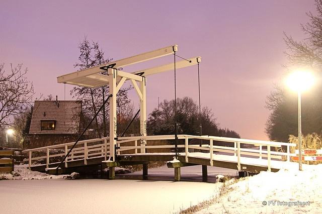 de middel in Westzaan by fok zaandam, via Flickr