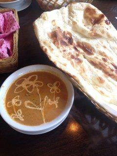 インドネパール料理を食べられるサプナでごはん食べてきました  カレーが大好きなのでよくいくんですかここのナンとカレーはすごく美味しいです   ナンもすごく美味しいしランチはサラダとドリンクがついてきますよ  ぜひ食べにいってみてください tags[滋賀県]