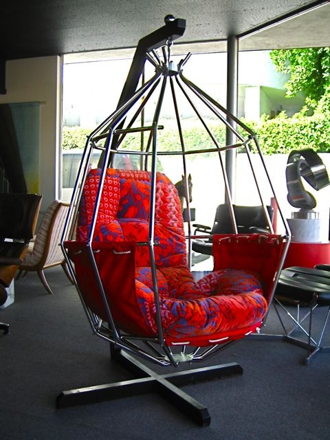 love a hanging chair