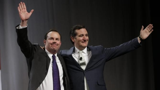 """Share Tweet Pin Plus LinkedIn Reddit StumbleUpon Digg Email Print Utah Senator Mike Lee announced on Thursday to reporters that he is endorsingTed Cruz for President, becoming the first sitting U.S. senator to back his fellow colleague. """"We have reached a point when we need to unite behind a single candidate,"""" Lee said, addressing reporters inside the debate media spin room in University of Miami, Florida. """"I'm sending the signal that it is time to unite. We as Republicans need to unite…"""