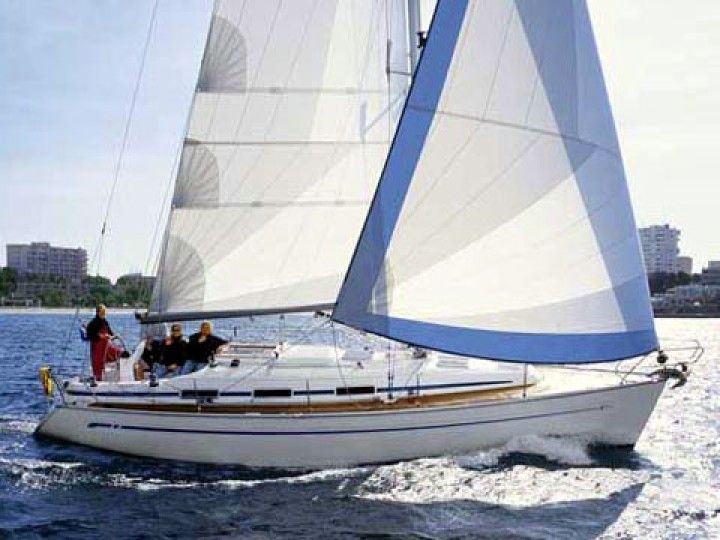 Bavaria 36 Cruiser - External image